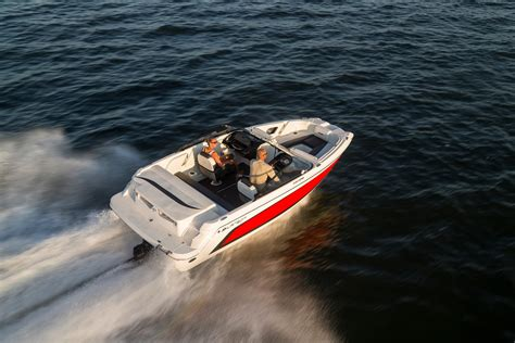 facing the bow of a boat where is the port side larson lxh 190 luc makes bowriders lucky boats
