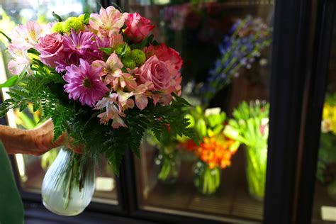 s day flower pay less for valentine s day flowers using these sweet tips