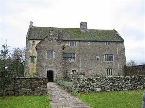 English Tudor Cottage file llancaiach fawr manor in 2003 jpg wikipedia