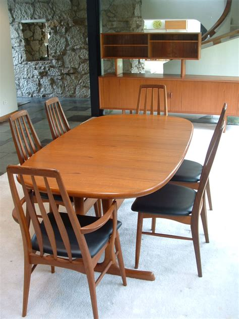 Teak Dining Room Furniture Teak Dining Room Furniture Designforlife S Portfolio