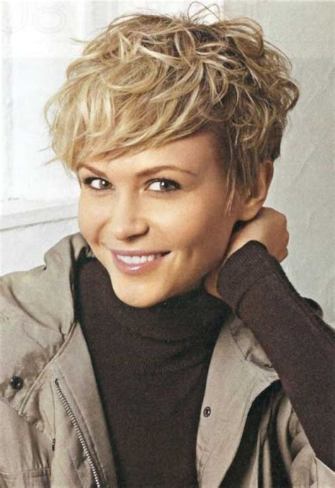 curly layered blonde short hair 20 stunning short layered