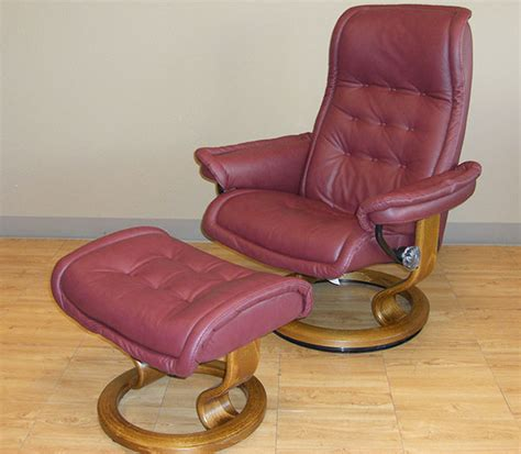 royal easy chair recliner stressless royal paloma winered leather recliner chair
