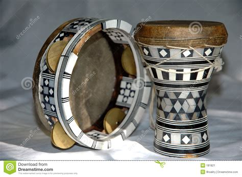 imagenes de instrumentos musicales egipcios instrumentos egipcios imagen de archivo imagen 181821
