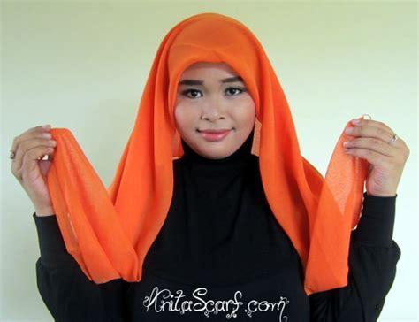 tutorial jilbab wardah hijab tutorial dewi sandra di iklan wardah tutorial