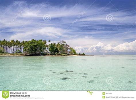 tropical island paradise tropical island paradise royalty free stock image image 4693266