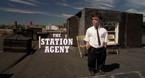 peter dinklage the station agent peter dinklage station agent www imgkid the image