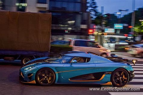 koenigsegg japan koenigsegg agera r spotted in tokyo japan on 09 28 2016
