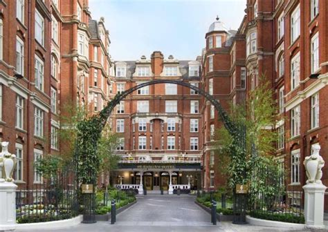 Hotel Review (James Bond style): St Ermin's Hotel, London
