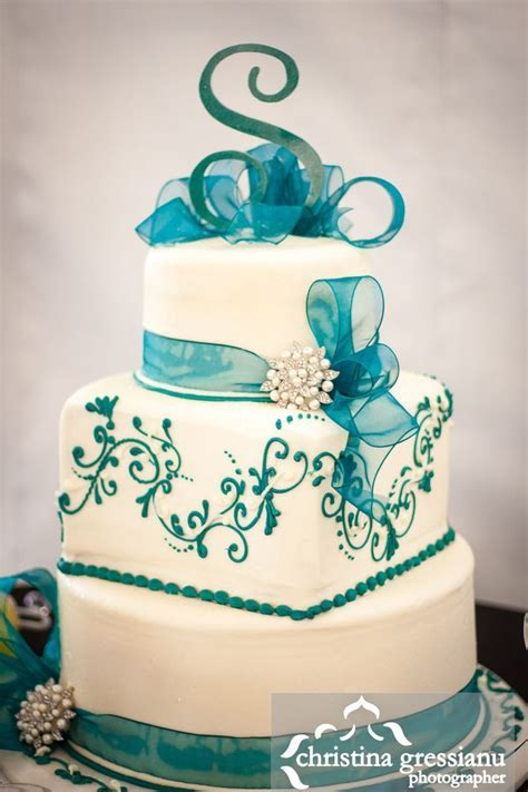 Best 25  Teal wedding cakes ideas on Pinterest   Pastel