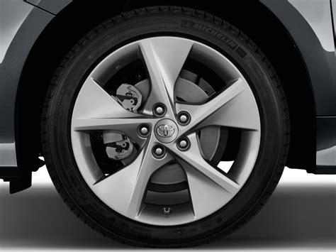Toyota Camry Wheels Image 2014 Toyota Camry 4 Door Sedan I4 Auto Se Natl