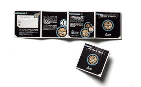 desain brosur 1 warna contoh brosur dengan desain dominasi warna hitam