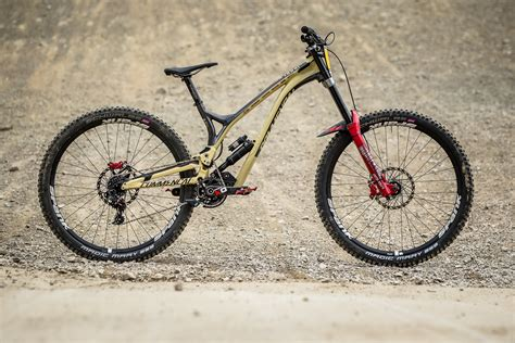 commencal supreme winning bike amaury pierron s commencal supreme dh 29