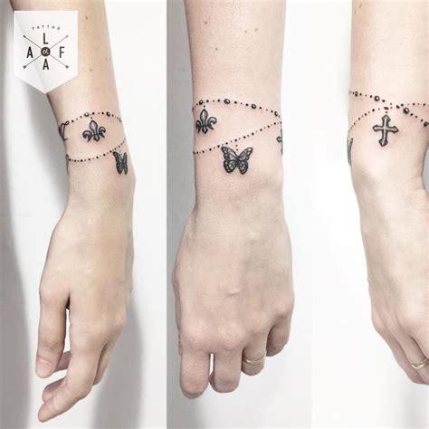 wrist cuff tattoo designs best 25 bracelet tattoos ideas on wrist