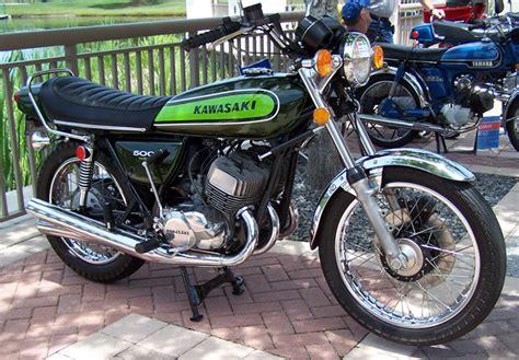 Kawasaki 2 Zylinder Motorrad by The Kawasaki Triples Classic Motorcycles