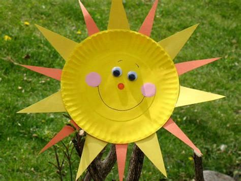 Summer Paper Crafts - paper plate sun just screams summer can