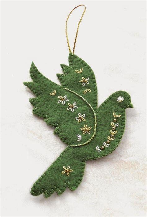patterns felt christmas tree ornaments best 25 felt birds ideas on pinterest