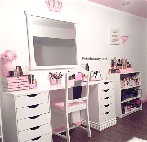 Makeup Dresser by 1000 Ideas About Makeup Tables On Vanities Vanity Tables And Makeup Vanities