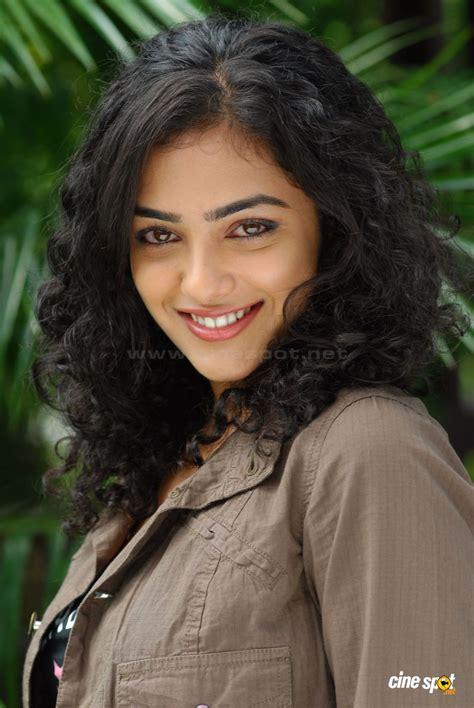 actor actress nithya menon nithya menon actress photos 22