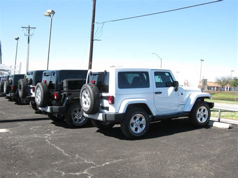 jeep sahara white 2 door best 25 jeep dodge ideas on pinterest chrysler dodge