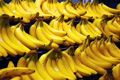 bananas hd wallpaper banana full hd wallpaper and background 3008x2000 id