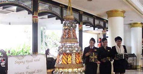 Wajan Di Jogja pohon natal dengan 1 000 canting batik di santika jogja