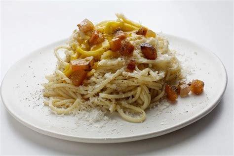 cucina romana pasta alla gricia pasta alla gricia la ricetta originale pinkitalia