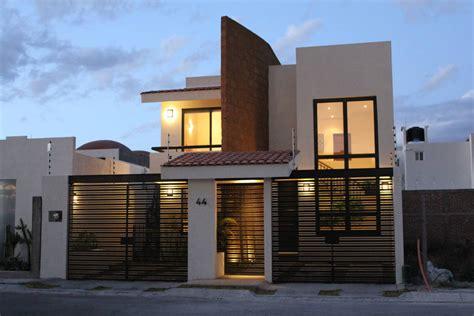 siete casas siete brujas 8434860031 10 portones espectaculares para la entrada de tu garage animales cabo y consejos