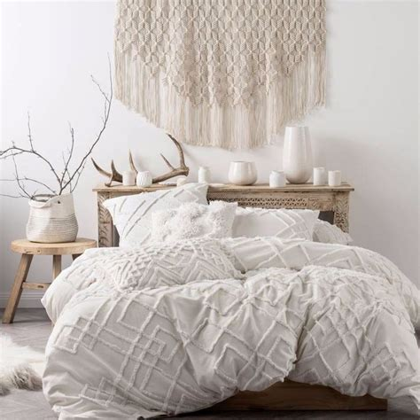 White Linen Comforter by 25 Best Ideas About Textured Bedding On