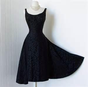 Galerry sheath dress que es