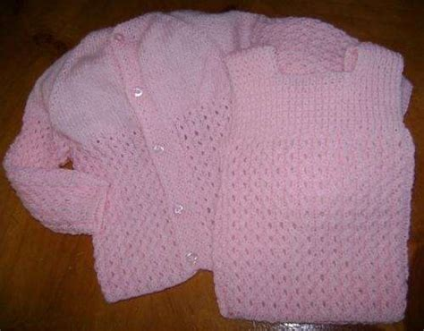 conjuntos tejidos para bebes recin nacidos newhairstylesformen2014 vestidos tejidos a crochet para recien nacidos imagui