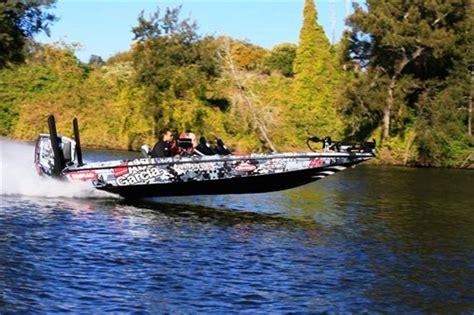 phoenix boats on boat trader phoenix 721 proxp bass boat review trade boats australia