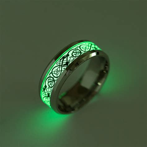 Cincin Glow In The Skul Ring lasperal glow in the titanium steel rings dragons pattern rings for fashion
