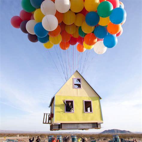 up huis huis gaat de lucht in dankzij weerballonnen freshgadgets nl