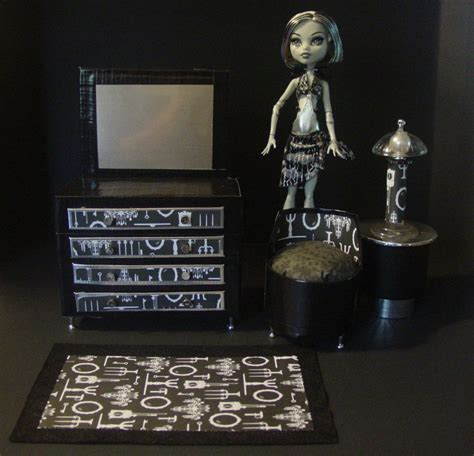 frankie bedroom monster high dollhouse project my small obsession