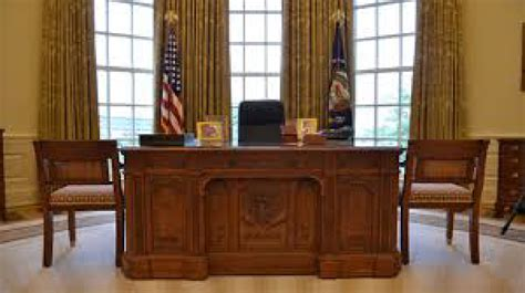 The Oval Office Desk About The Pearlsofprofundity