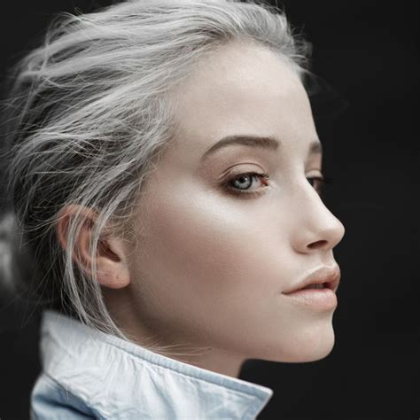 young women with gray skin and hair care products advice intreviews