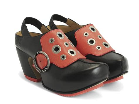 fluevog shoes fluevog shoes shop buzz black platform