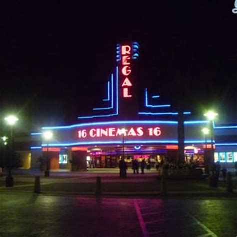 Regal Theater In Garden Grove by Regal Cinemas Garden Grove 16 86 Photos 257 Reviews