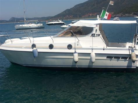 barche usate cabinate imbarcazione az 28 usato galvar