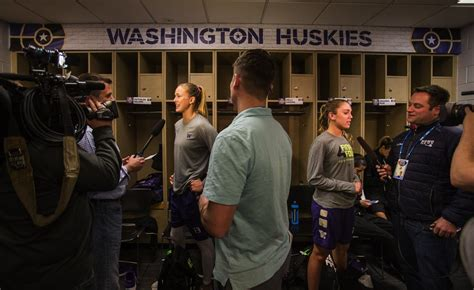 reporter locker room uw husky soaking in moments before four the seattle times