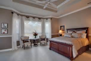 Bedroom Window Treatment Ideas by Important Suggestion To Help You Choose The Right Bedroom