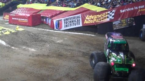 truck jam sacramento grave digger flips and crashes at sacramento jam