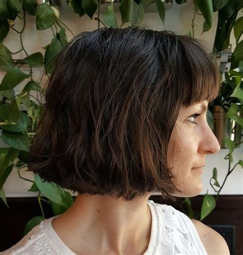 chin length textured hairstyles 40 сharming short fringe hairstyles for any taste and occasion