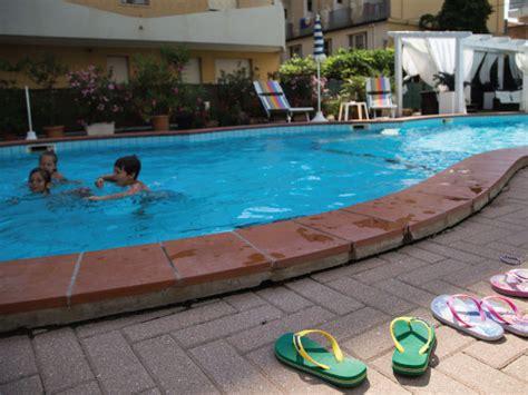 hotel con vasca idromassaggio in rimini hotel 3 stelle rimini con piscina e idromassaggio