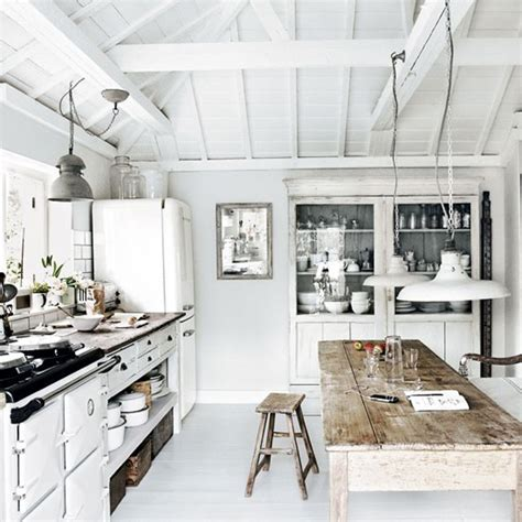 impressionante Arredare Un Bagno Moderno #4: House-Cornwall-via-Stylejuicer03.jpg