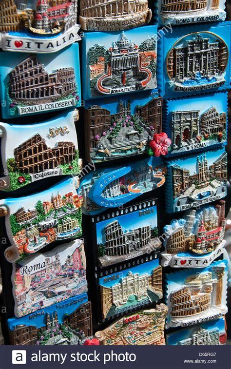 Souvenir Italia Tempelan Magnet Hiasan Rome rome italy fridge magnet souvenirs 2013 stock photo royalty free image 55447287 alamy