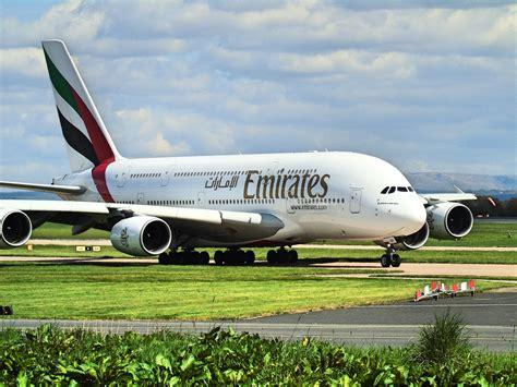 emirates qatar emirates other uae based airlines suspend qatar flights