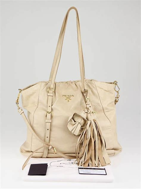 Prada Dressy New Look Tote by Prada Beige Leather Dressy New Look Tote Bag Br3902