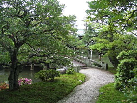 emperor garden tomthetrader