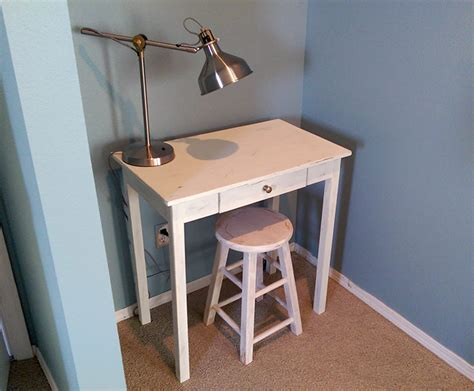 Build A Small Desk Build A Small Space Desk Diywithrick